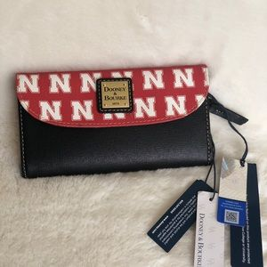 Dooney and Bourke Black and red wallet